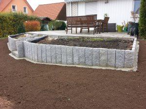 Aussenanlage_Hochbeet_Granit_Stein